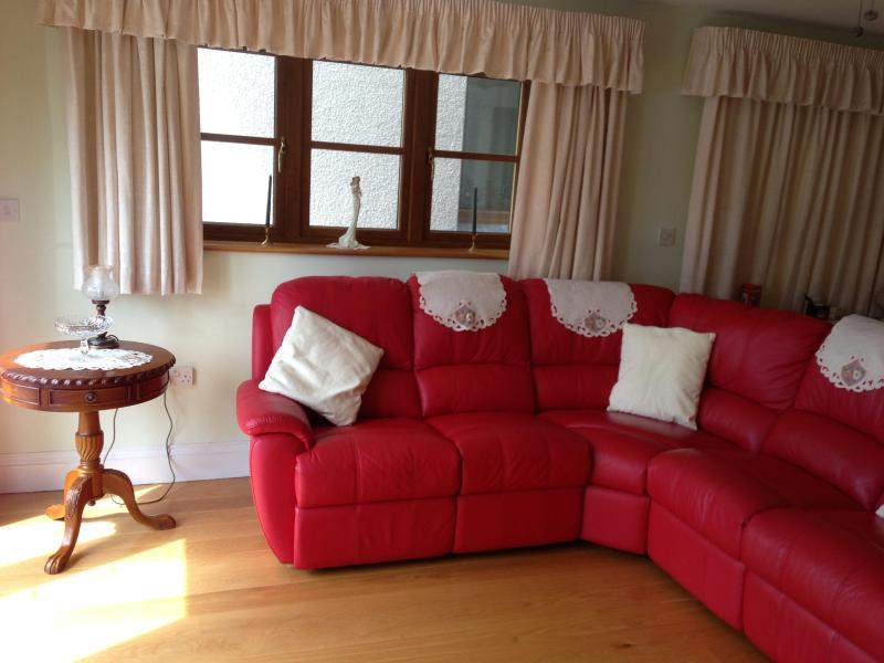 lounge area - Luxury Bluebell suite,  with wheelchair access. - Truro - rentals