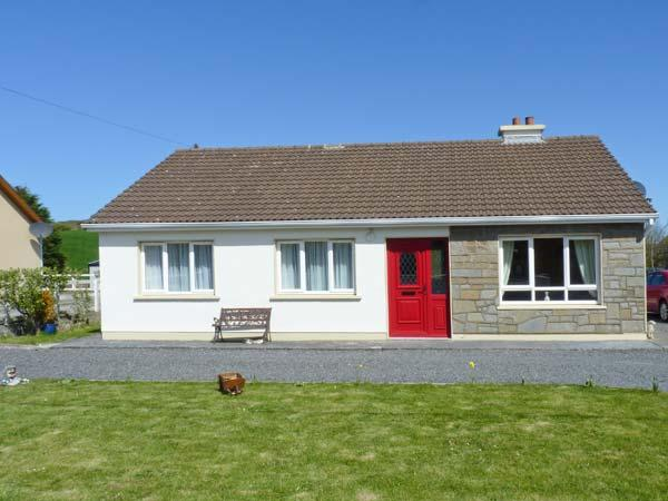 MELBRAE HOUSE, open fire, ground floor cottage, en-suite facilities, near Doonbeg, Ref. 24820 - Image 1 - Doonbeg - rentals