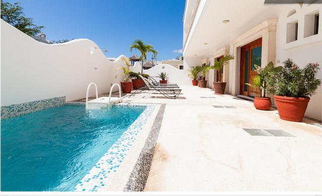2BR, Few Blocks to the beach, Internet, Pool, Downtown! D1 - Image 1 - Playa del Carmen - rentals