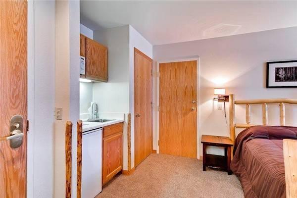 River Mountain Lodge #E218B - Image 1 - Breckenridge - rentals