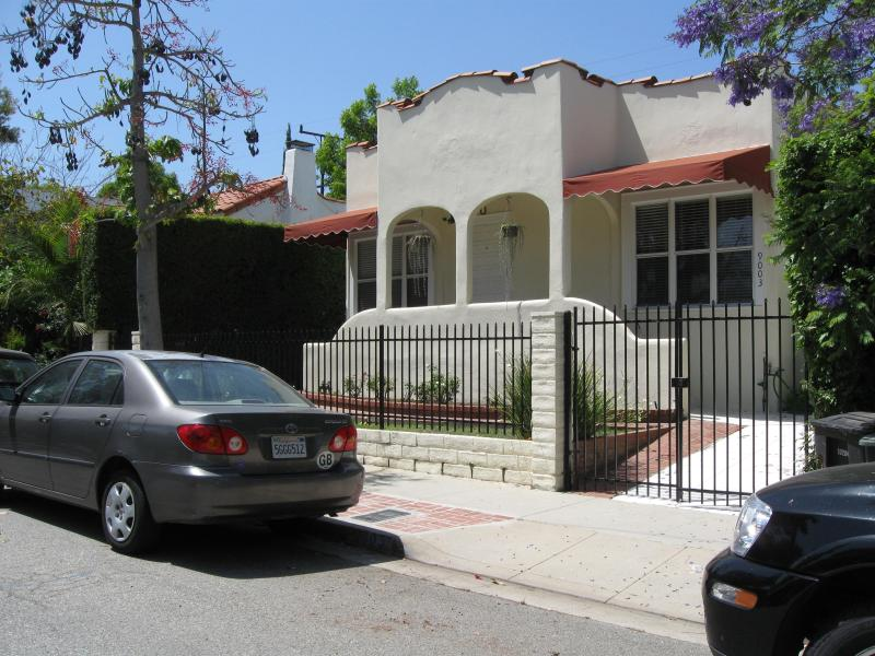 Exterior - Beautiful home on quiet, safe street - West Hollywood - rentals