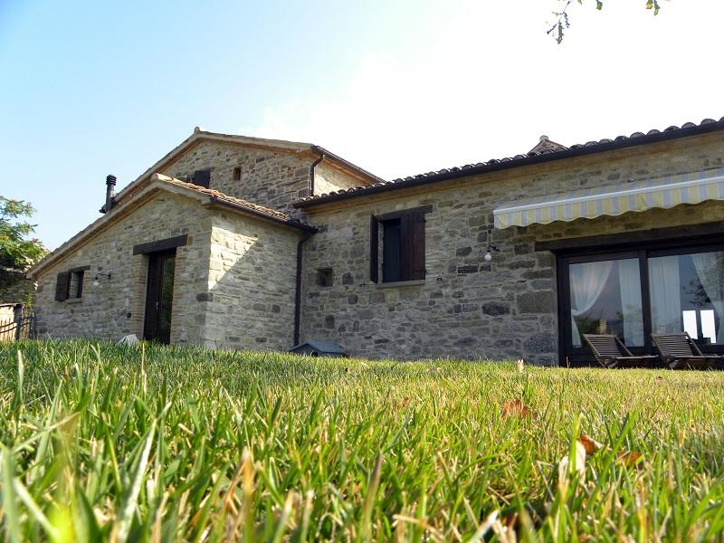B&B with heated outdoor pool in the heart of Italy - Image 1 - Frontino - rentals