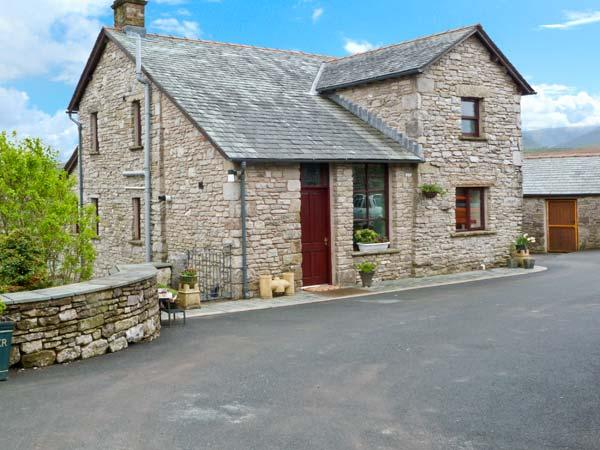 GARS COTTAGE, woodburner, outstanding views, traditional features, near Ravenstonedale, Ref. 24156 - Image 1 - Ravenstonedale - rentals
