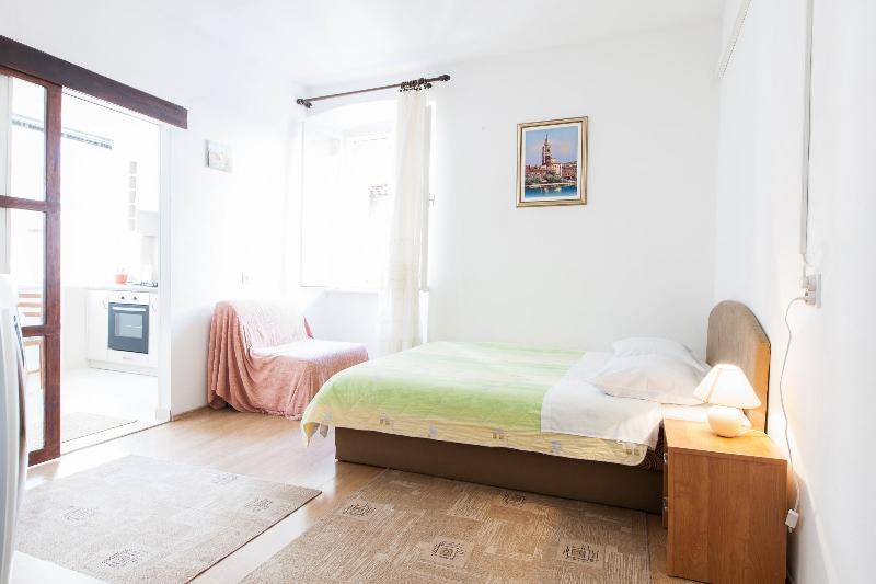 Mila1 studio in center - Image 1 - Zadar - rentals