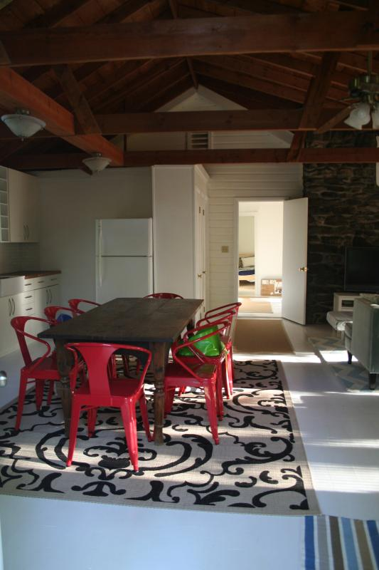 Main entrance: kitchen - Family-friendly Cottage Near Lake, Tanglewood - Stockbridge - rentals
