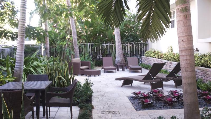 SoBe The Retreat Apartment  1 BEDROOM SLEEP 4 - Image 1 - Miami Beach - rentals