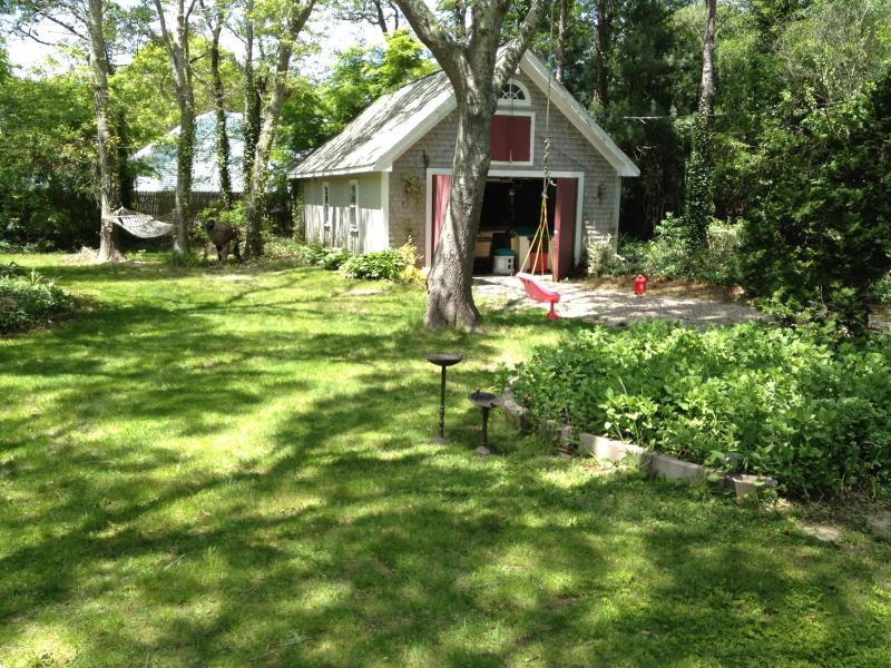 back yard .4 acre, grill with patio table - Falmouth heights 1200 per week185/night - Falmouth - rentals