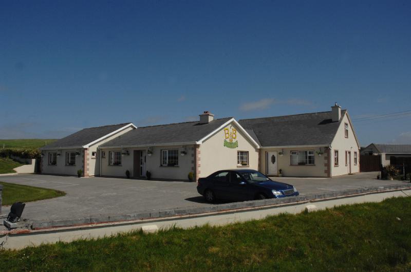 Glasha meadows 4 star  Bed & Breakfast  Doolin Co. - Image 1 - Doolin - rentals
