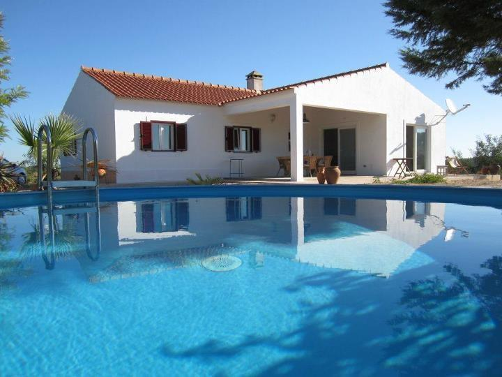 when you hold the camera just above the water, the pool looks olympic... it's actually not - Zambujeira do Mar / Sao Teotonio hill-top house - Sao Teotonio - rentals