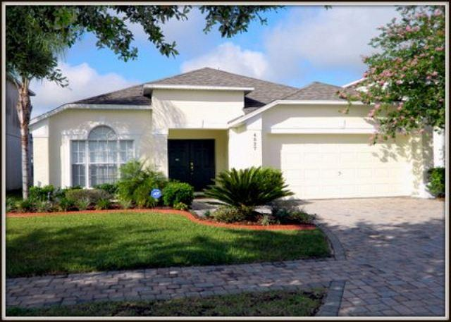 Beautiful 4 Bed 3.5 Bath Luxury Cumbrian Lakes Home, Near Disney (AV4827CL) - Image 1 - Kissimmee - rentals