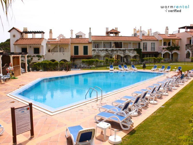 Pool Area  - Merengue Green Apartment - Portugal - rentals