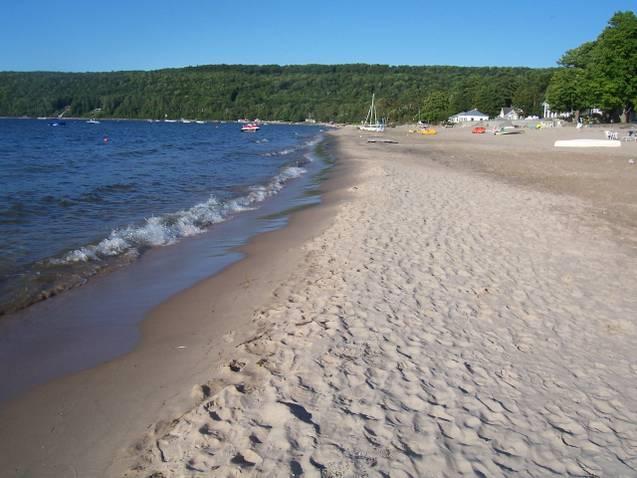 Beautiful Sandy Beach - Best Kept Secret on Georgian Bay********Beautiful Thunder Beach*********1 1/2 hr. from Toronto - Midland - rentals