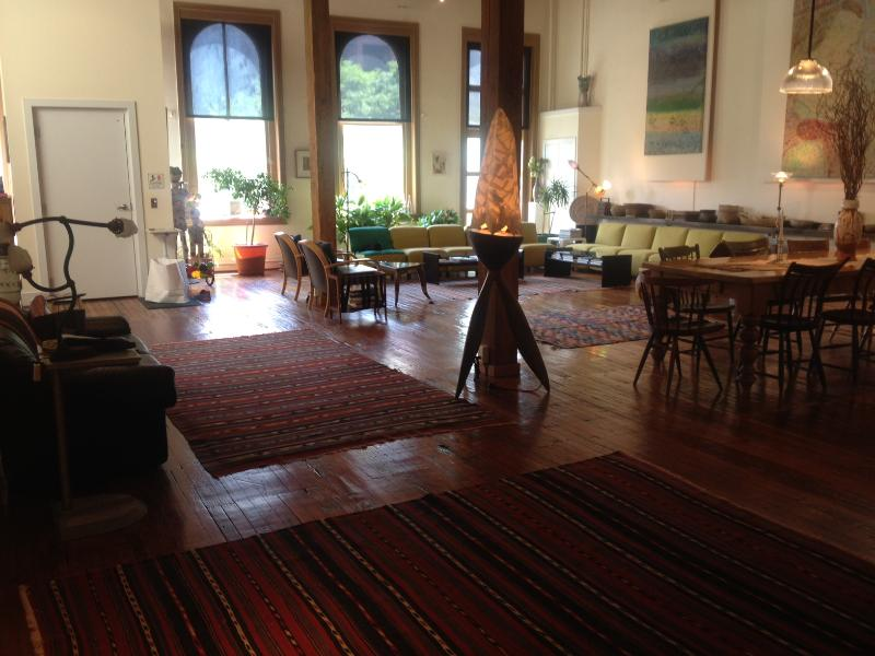 Great Room looking toward front windows - SPECTACULAR Penthouse w/elevator. Parking avail. - Philadelphia - rentals