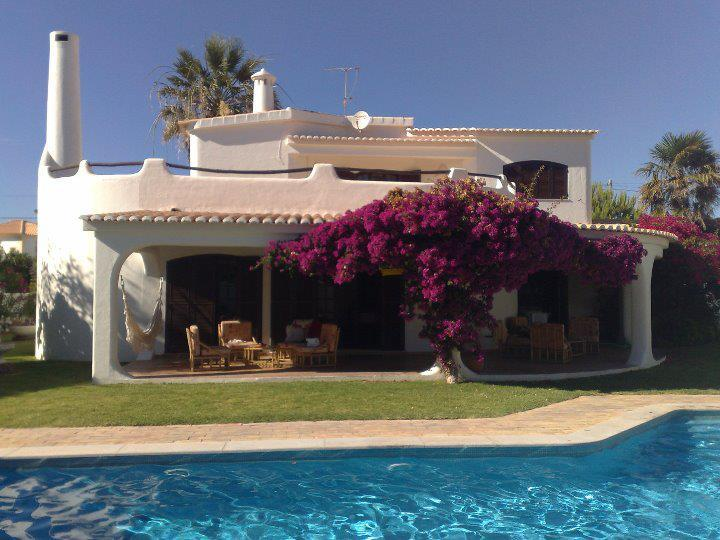 The exterior taken from pool area. - Beach front villa private pool Albufeira 5 bedroom - Patroves - rentals