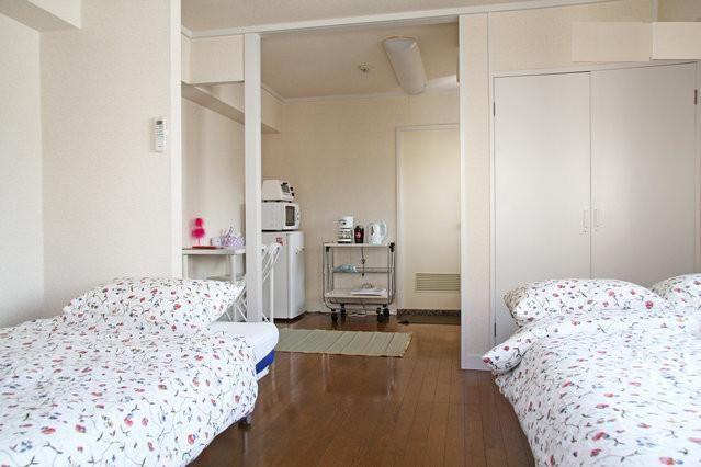 Sunny bedroom with big windows and balcony - Harajuku Shopping Street 3 min walk to station - Shibuya - rentals
