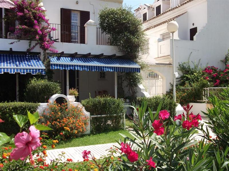 Front of house - Spacious Beach house Fuengirola 4-bedrooms - Fuengirola - rentals