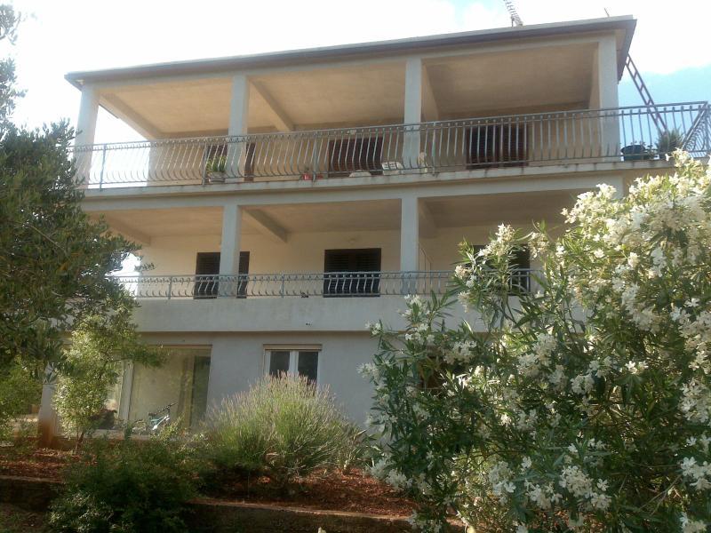 Apartman Krobot -Stari Grad - Image 1 - Stari Grad - rentals