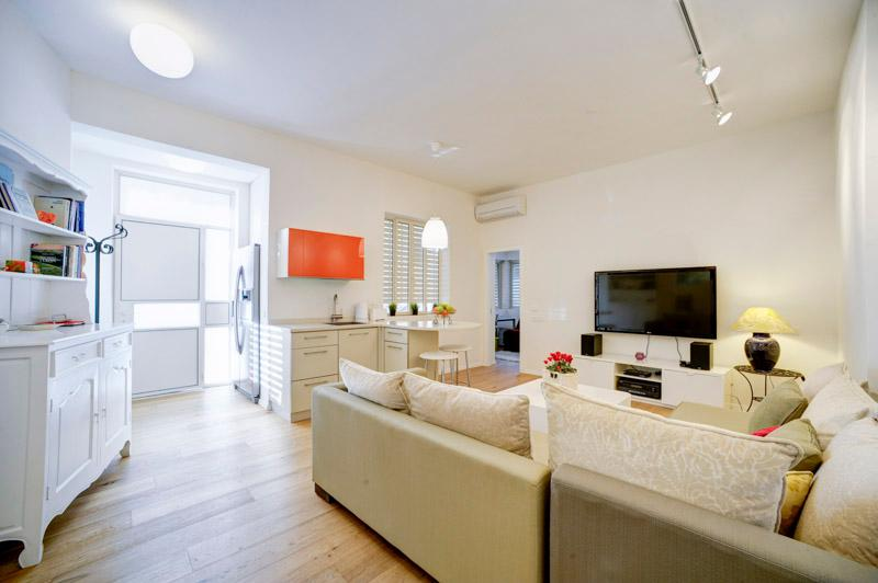 Beautiful designed and cosy 1.5 BD near the beach - Image 1 - Tel Aviv - rentals