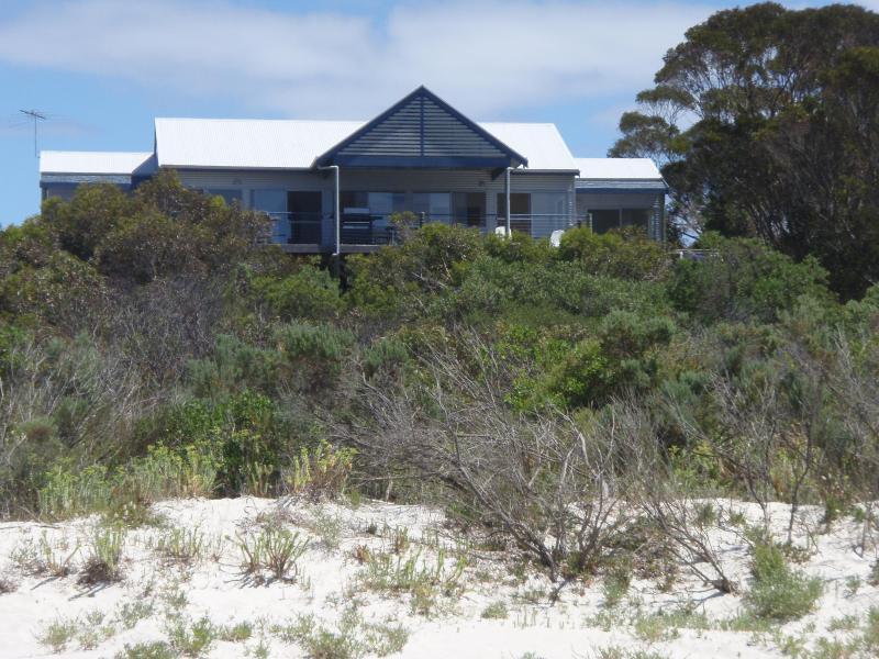 The Deck, Island Beach, Kangaroo Island - Image 1 - South Australia - rentals