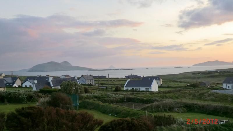 evening view from linving room Blasket Islands - Wonderful house southwest Ireland  Dingle Pen. sea - Dunquin - rentals
