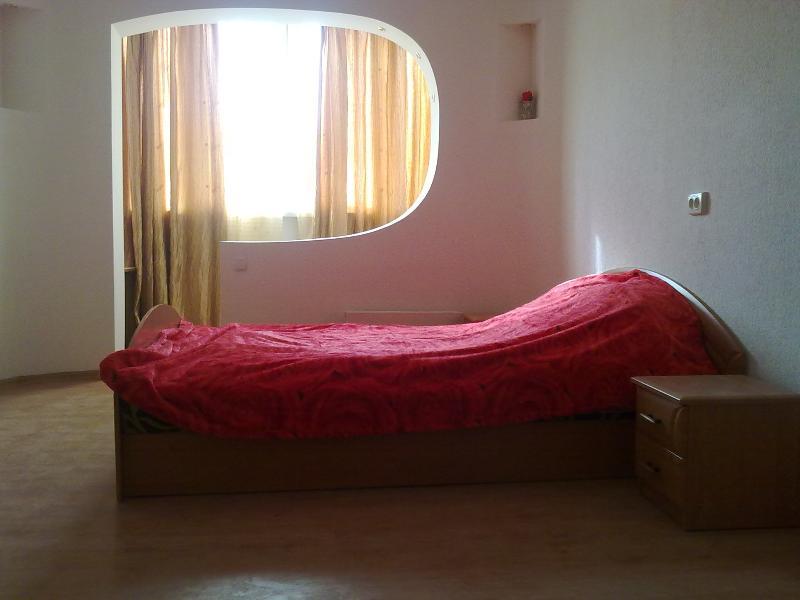 "Apartment ""Scarlet Rose"" - Image 1 - Odessa - rentals"
