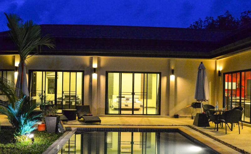 Villa 3 Bedroom  in Naiharn Beach - Phuket - Image 1 - Phuket - rentals