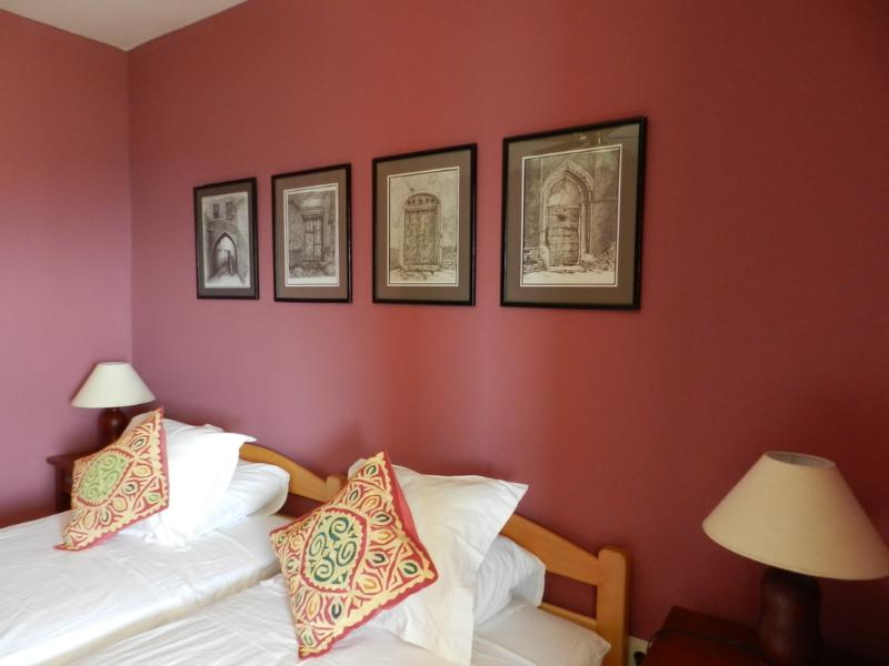 Bedroom-Twin Beds - Montenegro self catering apartment in Sušcepan - Tivat - rentals