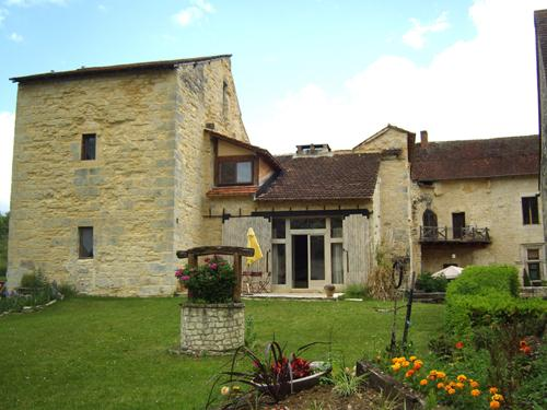 FACADE AILE OUEST - 2 bedroom gite in chateau lot France - Saint-Chamarand - rentals