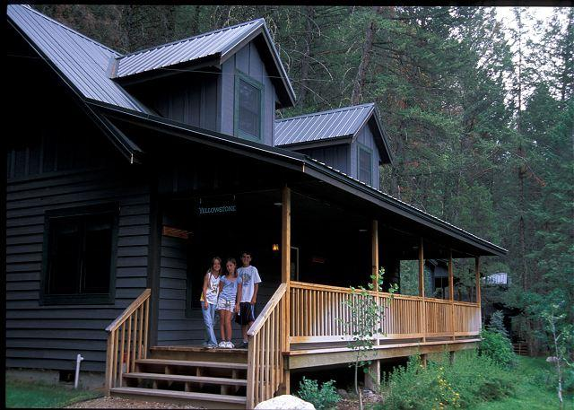 Big River Lodge - Yellowstone Cabin - Image 1 - Gallatin Gateway - rentals
