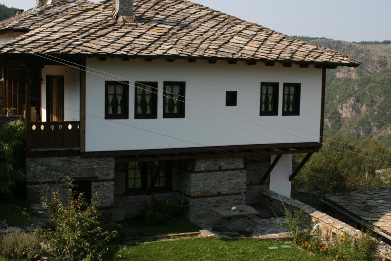 KANINA Guesthouse - Image 1 - Kovachevitsa - rentals