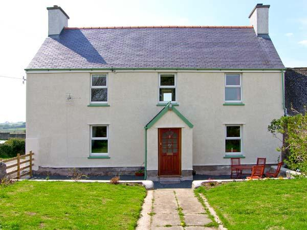 FARMHOUSE, family accommodation, woodburner, pet-friendly, near Newborough, Ref 18955 - Image 1 - Newborough - rentals