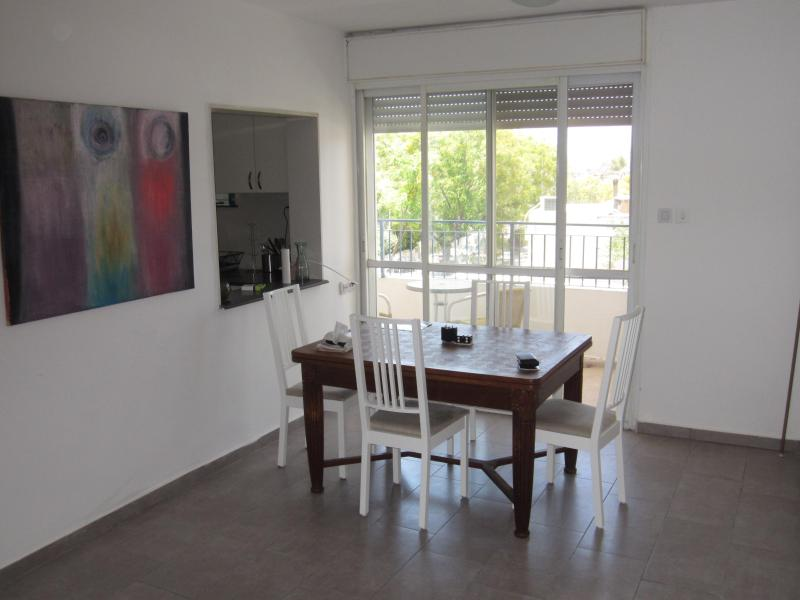 Dning Area - AMAZING apartment in BAKA neighborhood, Jeruslaem - Jerusalem - rentals