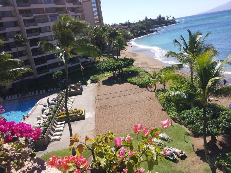 View - Living Room & Lanai - Kahana Sunset View Vacation Condominium - Lahaina - rentals