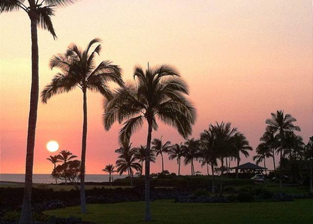 Sunset From Lanai - Hali'i Kai 10E – Ocean, Golf & Sunset Views, Close to Pool - Waikoloa - rentals