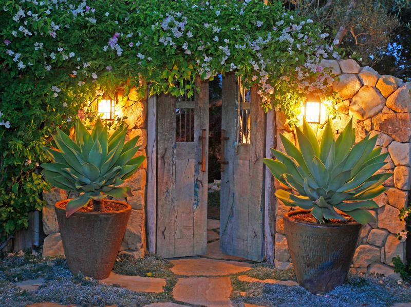 Enter through old Mesquite Gates - Santa Barbara Hilltop Adobe! - Santa Barbara - rentals
