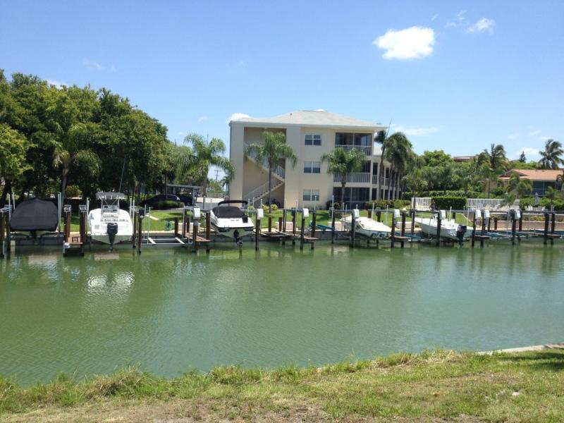 """Eagles Retreat View from Waterway - Waterfront Condo in Old Marco in Northern Marco Island Florida - """"Great Location near The Snook Inn"""" - Marco Island - rentals"""