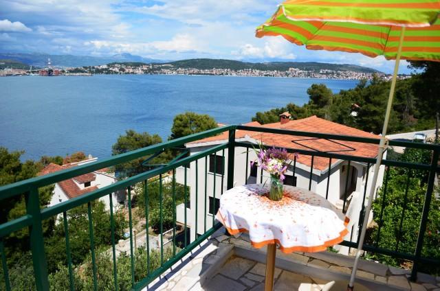Apartments Mile - 37921-A2 - Image 1 - Okrug Donji - rentals