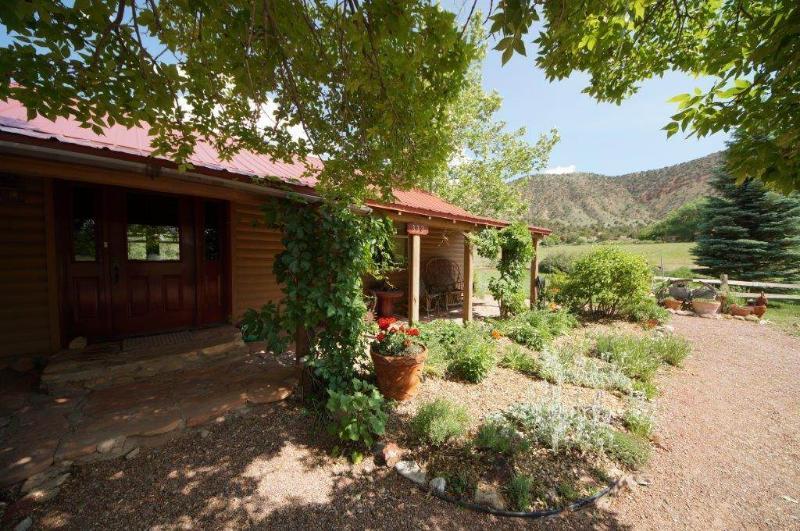 Pack Creek ~ Lodge Suite - Image 1 - Moab - rentals