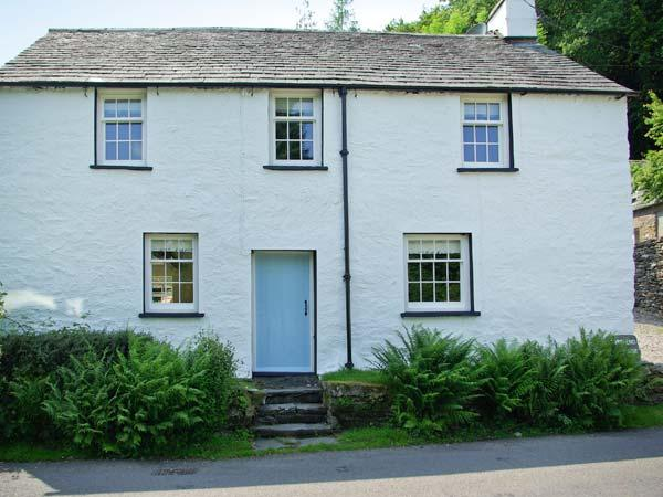 TOWN END FARMHOUSE, fantastic location, woodburner, character feature, near Newby Bridge, Ref. 18252 - Image 1 - Newby Bridge - rentals
