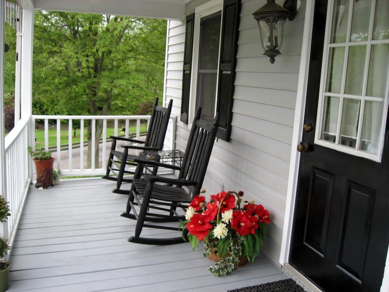 Front Porch Overlooking Hawksbill Creek. - Queen Anne's Cottage - Luray - rentals