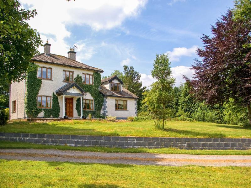 IVY HOUSE. woodburner, spacious cottage, large garden near Boyle, County Sligo Ref. 26160 - Image 1 - Boyle - rentals