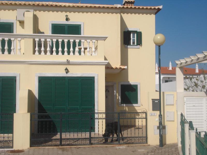 3 Bedroom Villa - Manta Rota with Air Cond. - Algarve / Portugal - Image 1 - Vila Nova de Cacela - rentals