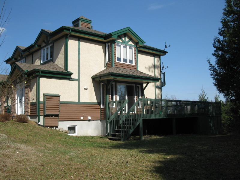 Outdoor Side View - Aiglon Tremblant 1718 - Golf and Winter Paradise! - Mont Tremblant - rentals