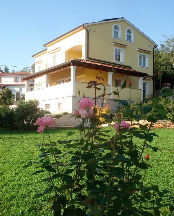 Villa AnnaDora - Apartments Villa AnnaDora - Brsec - rentals