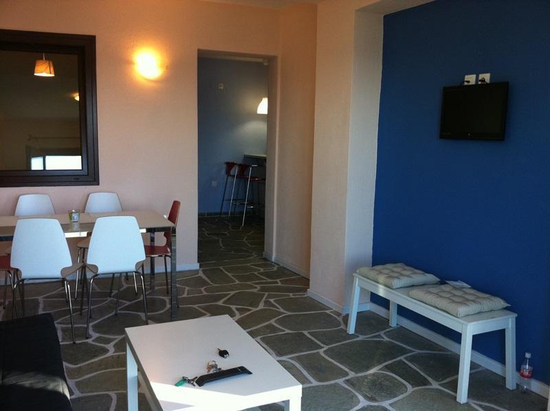 The dining area in the living room. - Isabel Artemis, Chorefto, Pelion, Greece - GAYA - Horefto - rentals