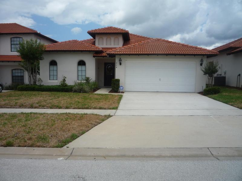 Front elevation - Beautiful 4 Bed / 3 Bath well maintained villa - Clermont - rentals