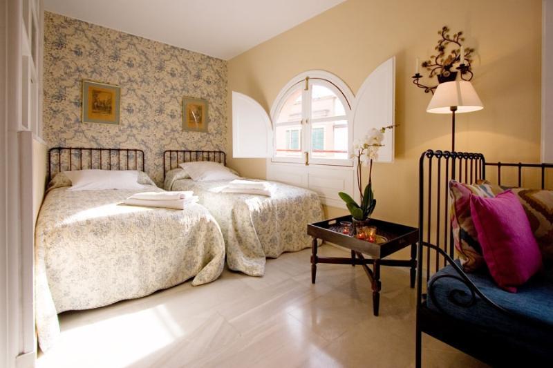Seville Suite Terrace next to Cathedral 3 pax - Image 1 - Sevilla La Nueva - rentals
