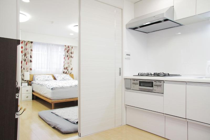 Kitchen and bedroom - SPECIAL BIG Apt in Harajuku Shibuya - Shibuya - rentals