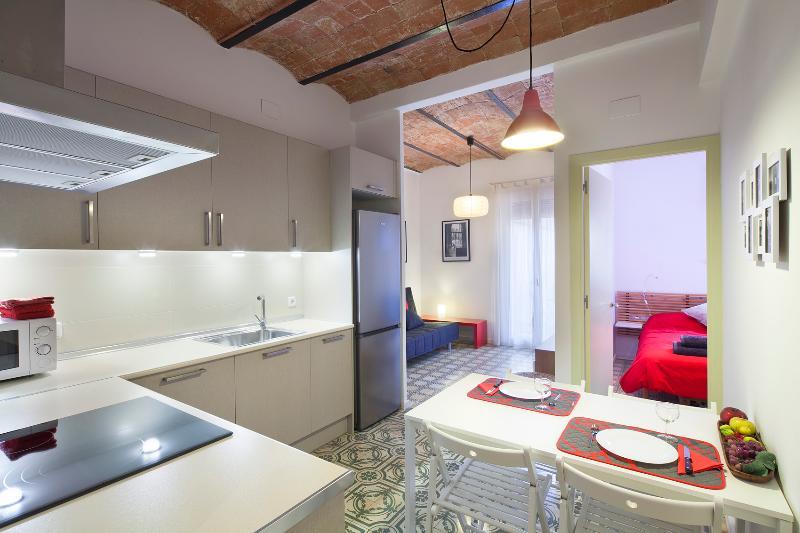 GOLDEN SAGRADA FAMILIA - Image 1 - Barcelona - rentals