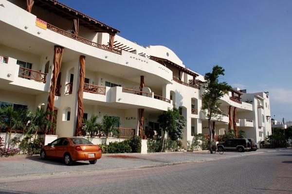 Las Olas 102 - Condo Iguana - Image 1 - Playa del Carmen - rentals